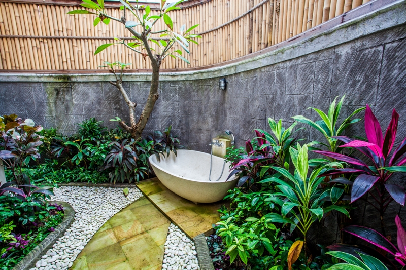 Garden pool villas private bali family accomodation for Garden pool from bathtub