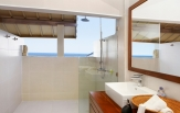 grand-beach-villa-bathroom